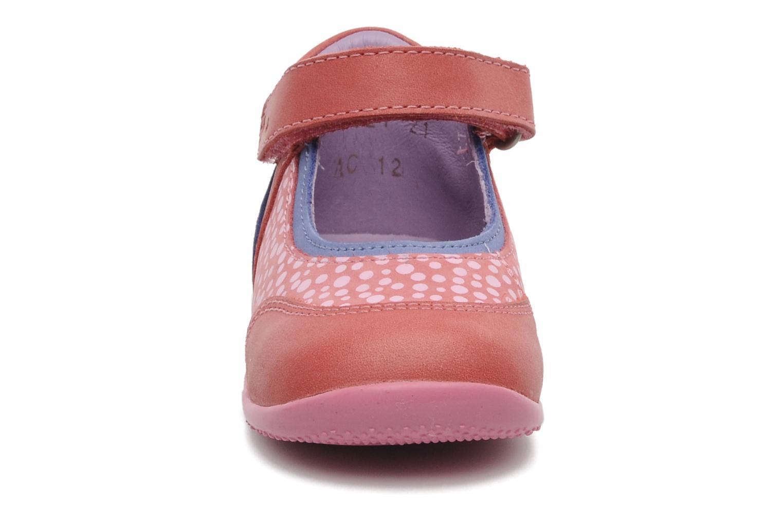 Ballerines Kickers Bikipop Rouge vue portées chaussures