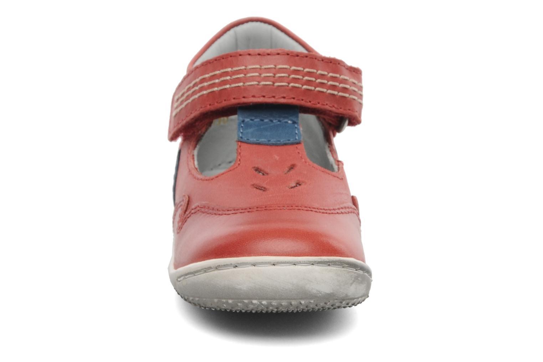 Sandales et nu-pieds Kickers Gusto Rouge vue portées chaussures