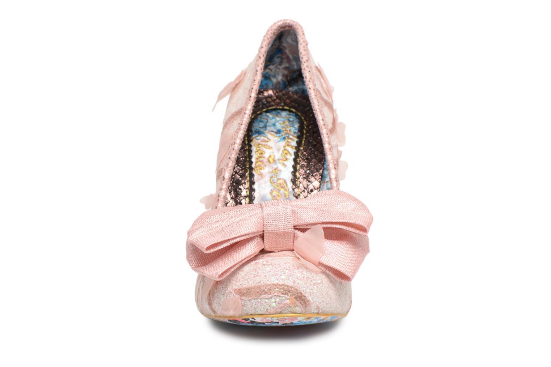 Zapatos de tacón Irregular choice Mal E Bow Rosa vista del modelo
