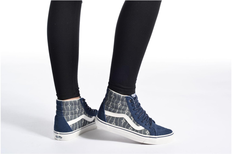 Sneaker Vans Sk8-Hi Reissue W grau ansicht von unten / tasche getragen