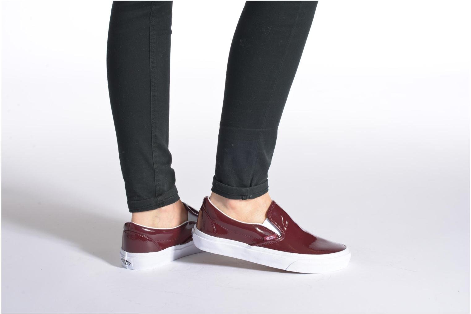 Trainers Vans Classic Slip-On W Burgundy view from underneath / model view
