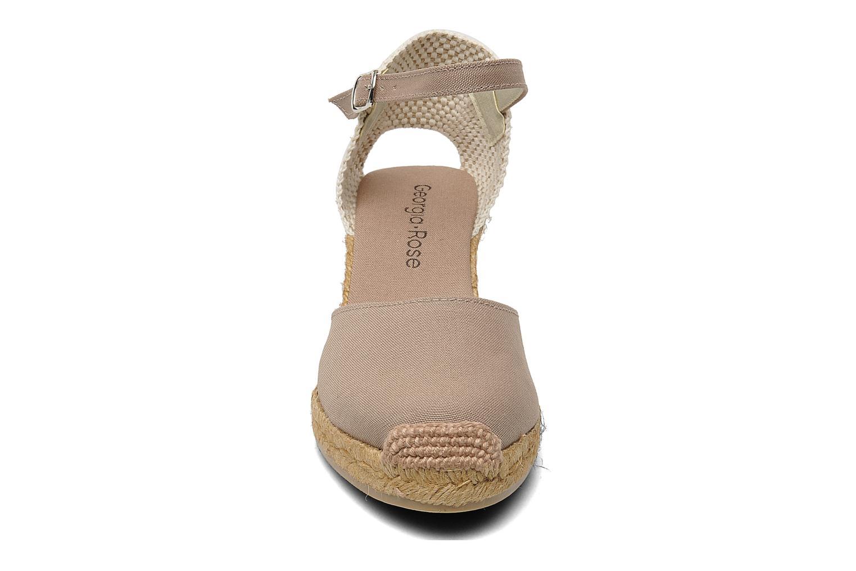 Sandales et nu-pieds Georgia Rose Ipona Beige vue portées chaussures