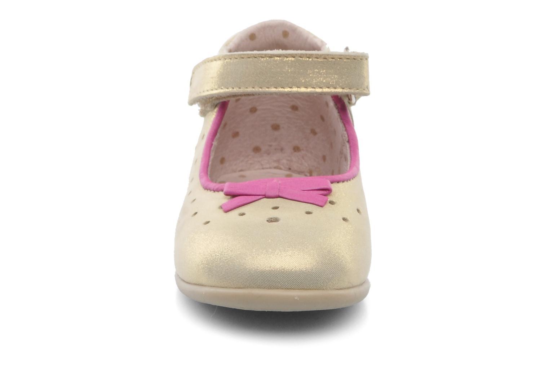 Ballerines Babybotte SUZI Or et bronze vue portées chaussures