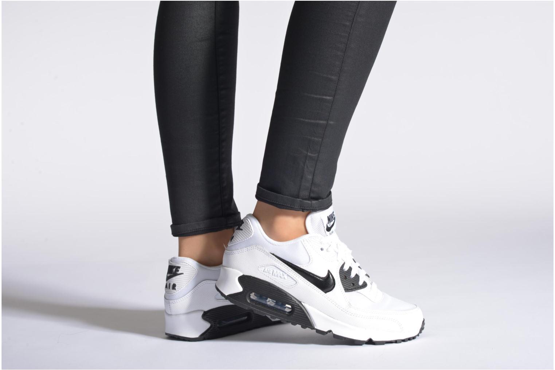 Sneaker Nike Wmns Air Max 90 Essential grau ansicht von unten / tasche getragen