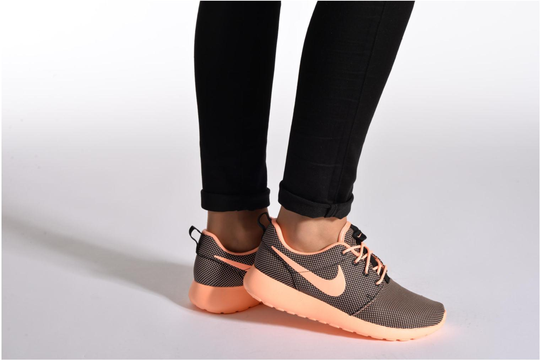 Baskets Nike Wmns Nike Roshe One Orange vue bas / vue portée sac