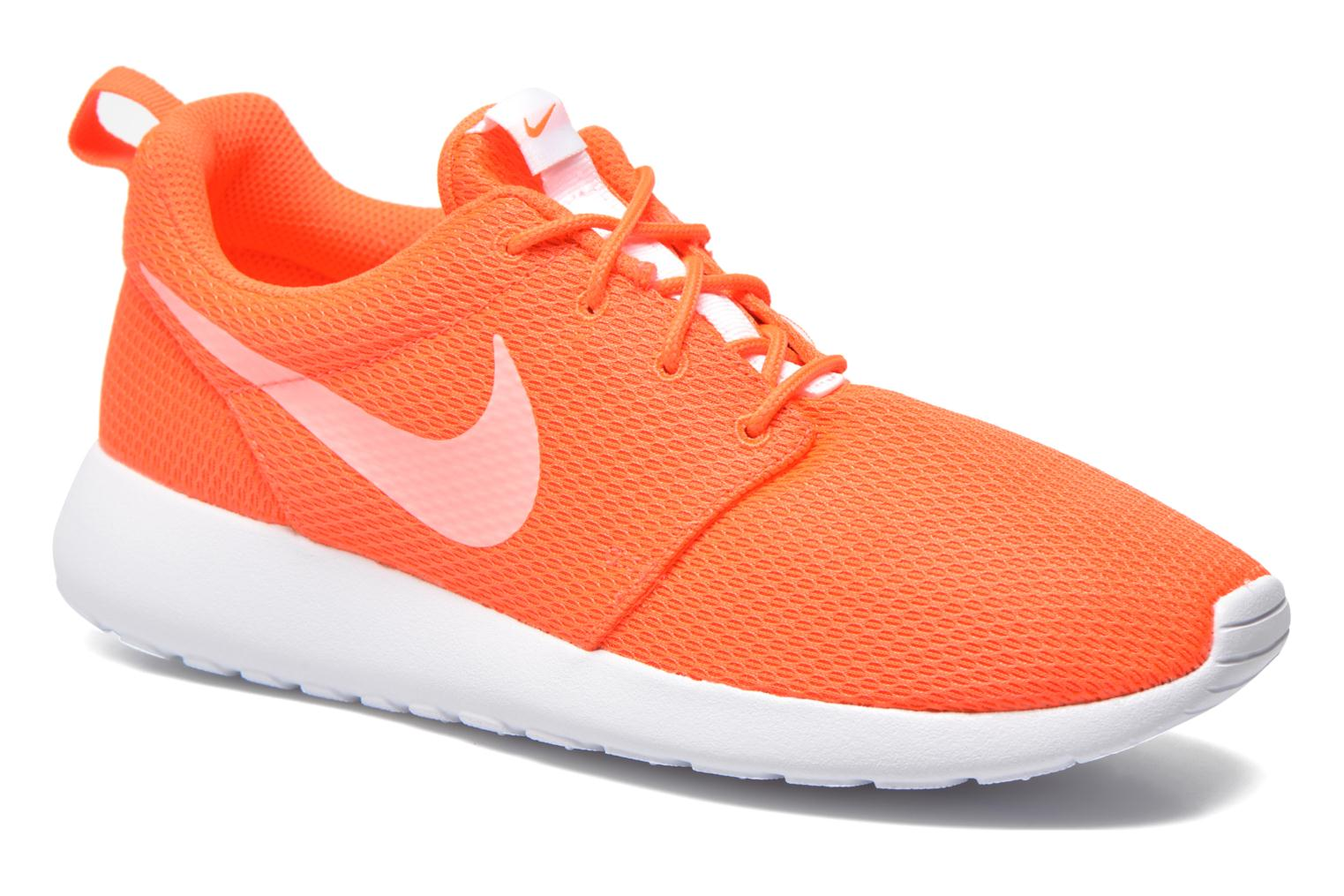 Baskets Nike Wmns Nike Roshe One Orange vue détail/paire