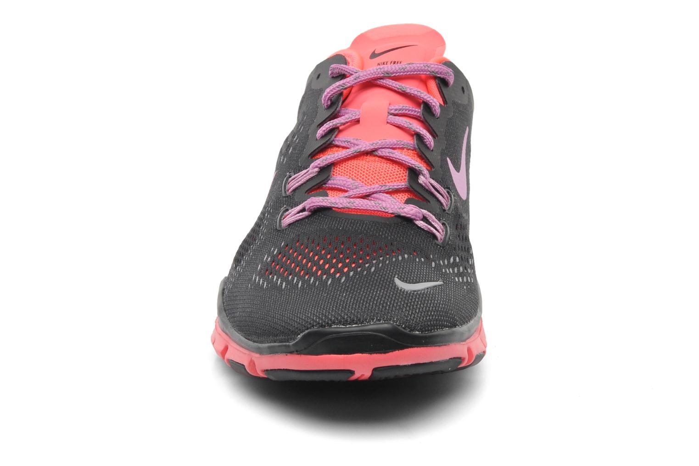 Sportschuhe Nike Wmns Nike Free 5.0 Tr Fit 4 schwarz schuhe getragen