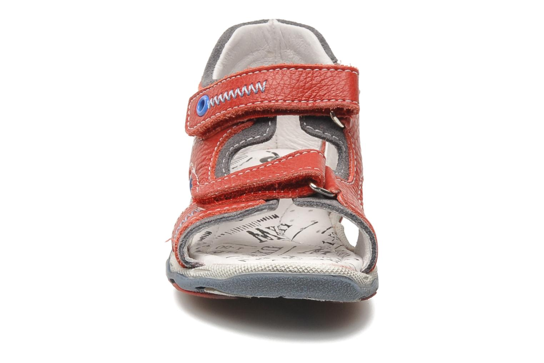 Sandalen Bopy BOMBO rot schuhe getragen