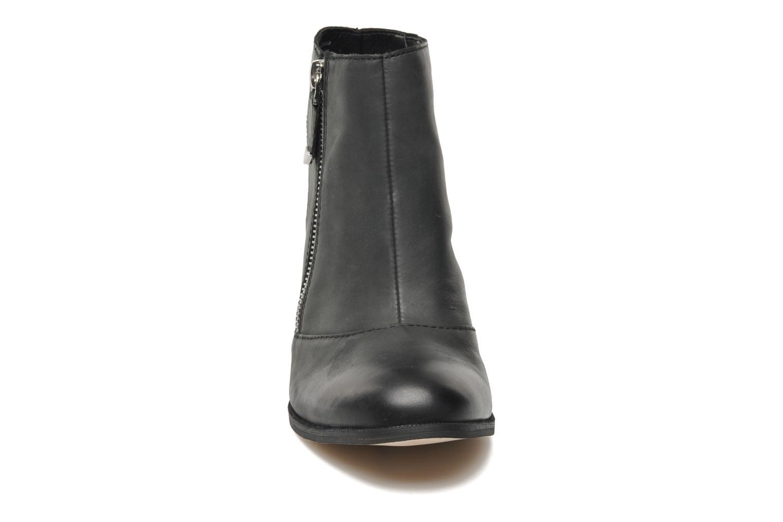 JERING Black leather
