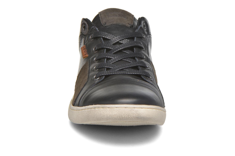 Baskets Levi's Tulare Pt Toe Cap Low Lace Noir vue portées chaussures