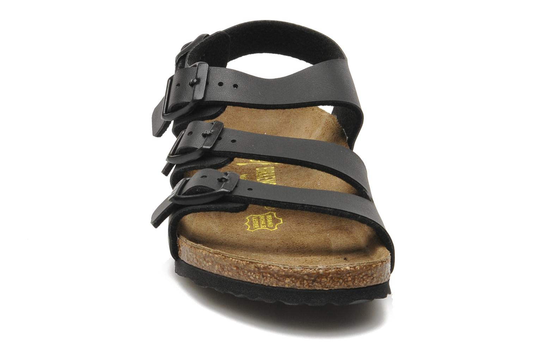 Sandales et nu-pieds Birkenstock Canberra Noir vue portées chaussures