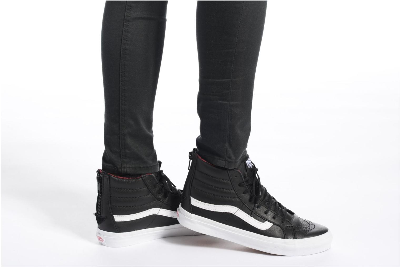 Sneaker Vans SK8-Hi Slim Zip schwarz ansicht von unten / tasche getragen