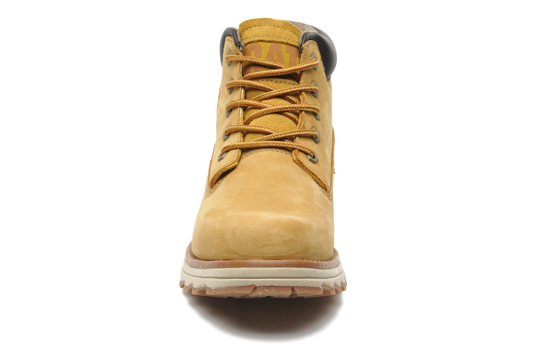 Boots en enkellaarsjes Caterpillar FOUNDER Geel model