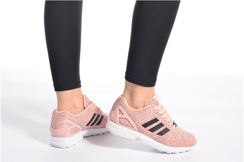 Sneaker Adidas Originals Zx Flux W mehrfarbig ansicht von unten / tasche getragen