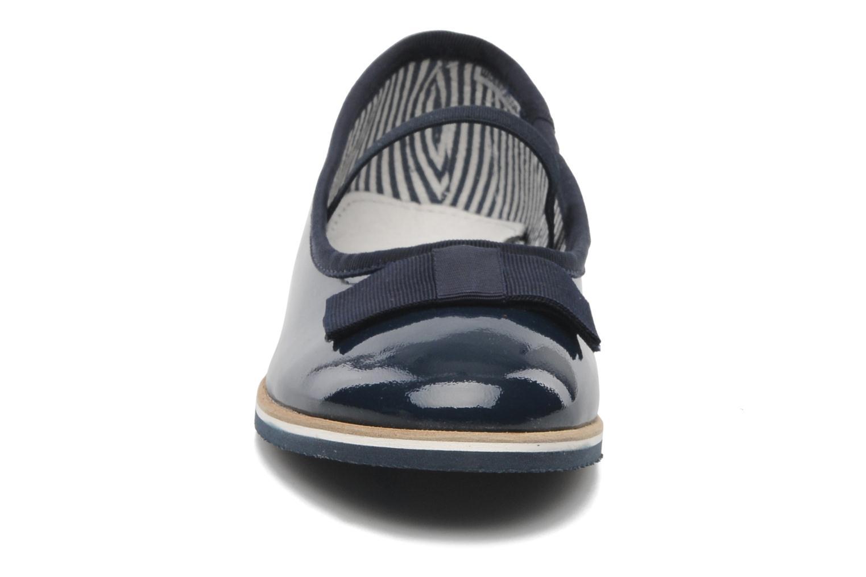 Ballerines Petit bateau BEAUTY FLY Bleu vue portées chaussures