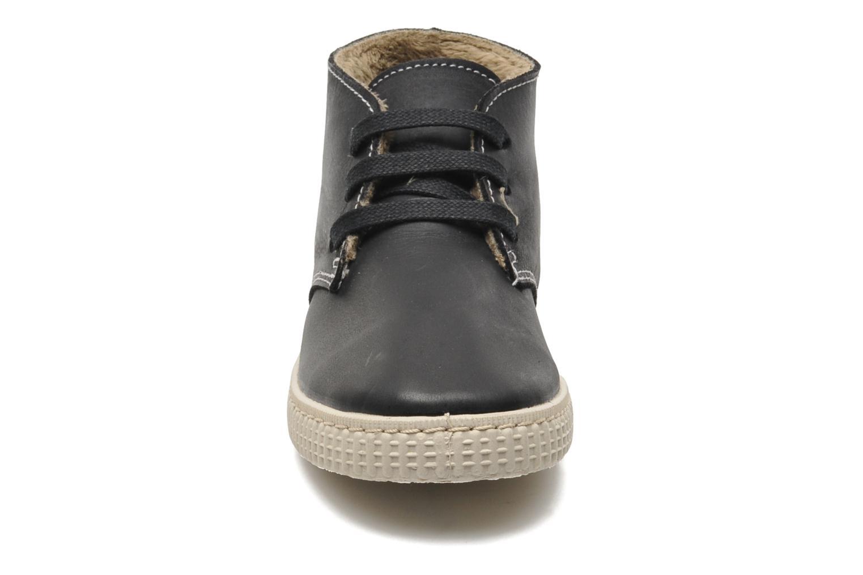 Chaussures à lacets Victoria Safari Piel Tintada Pelo Noir vue portées chaussures