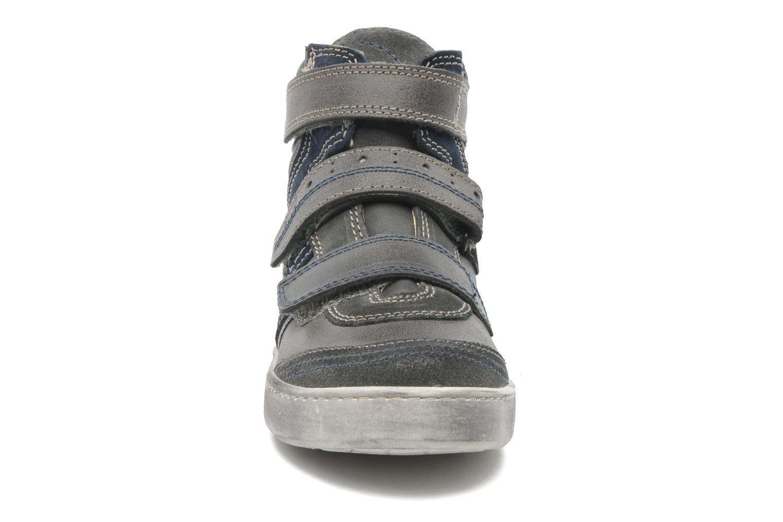 Baskets Primigi LOWELL Gris vue portées chaussures