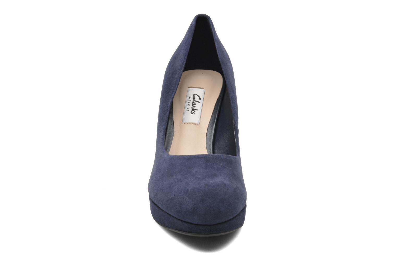 Escarpins Clarks Crisp Kendra Bleu vue portées chaussures