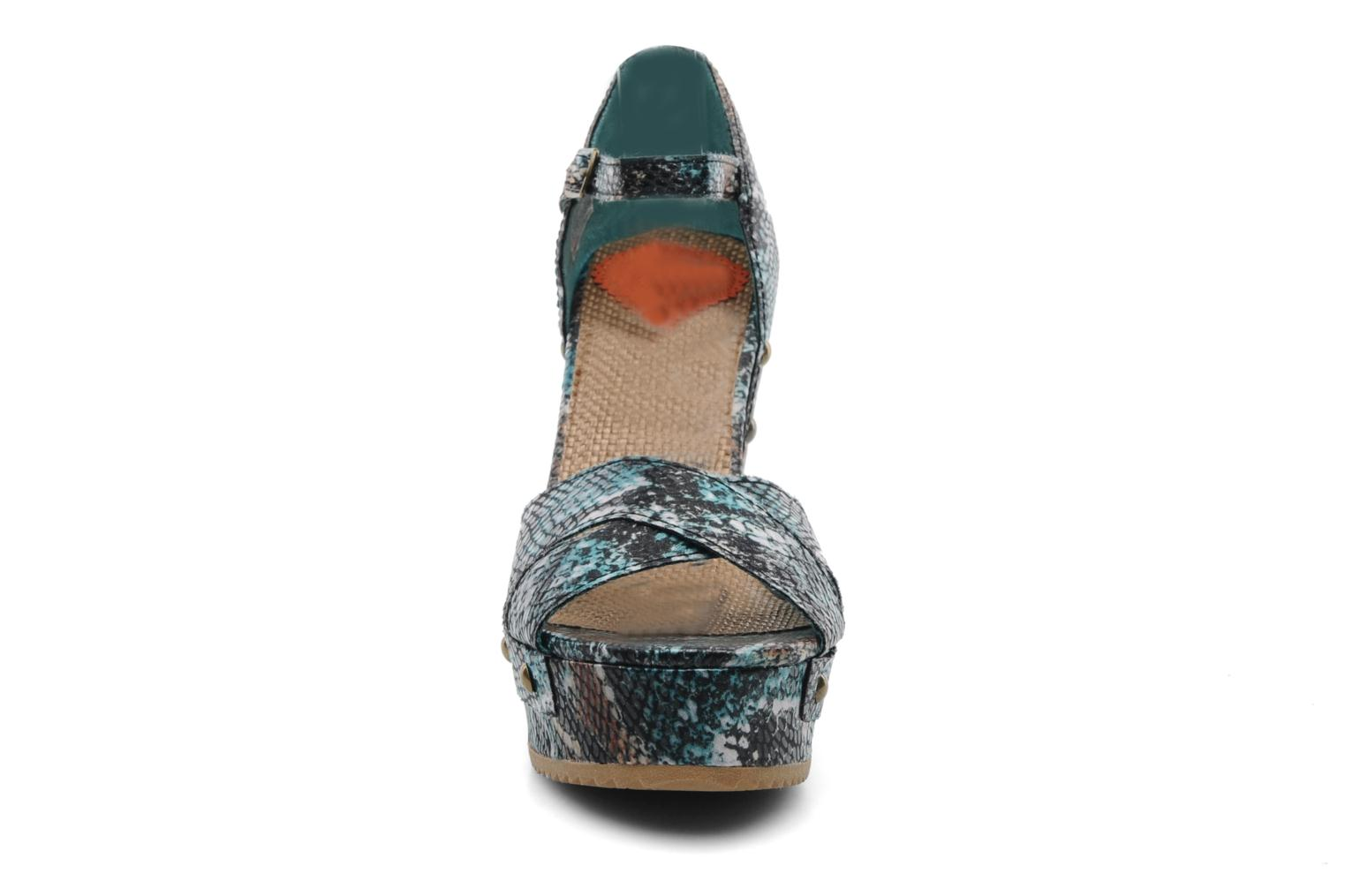 Sandalias Rocket Dog Scarlett Multicolor vista del modelo