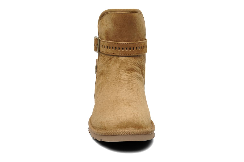 Bottines et boots UGG Leni Marron vue portées chaussures