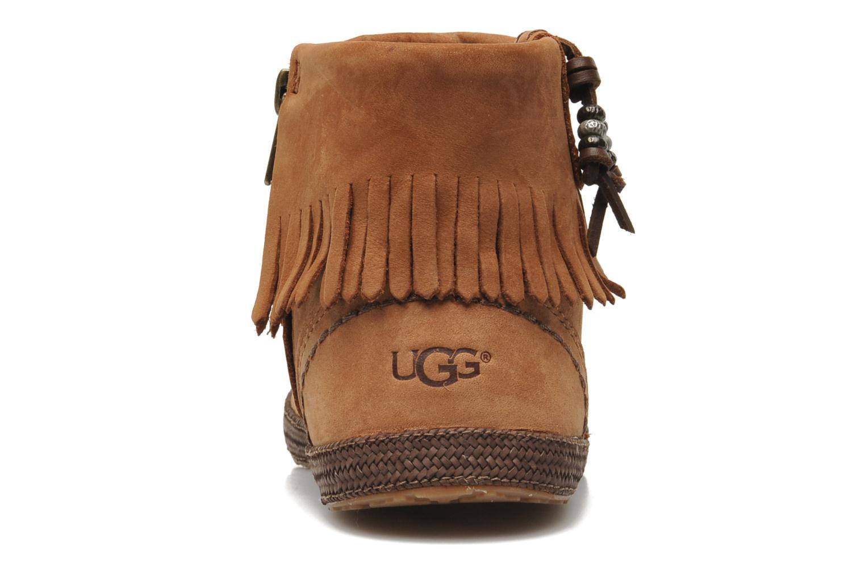 Stiefeletten & Boots UGG Tiana braun ansicht von rechts