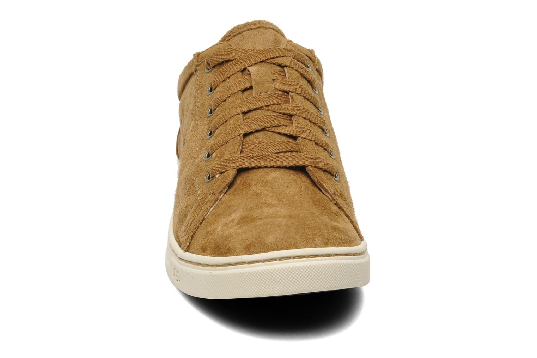Baskets UGG Tomi Marron vue portées chaussures