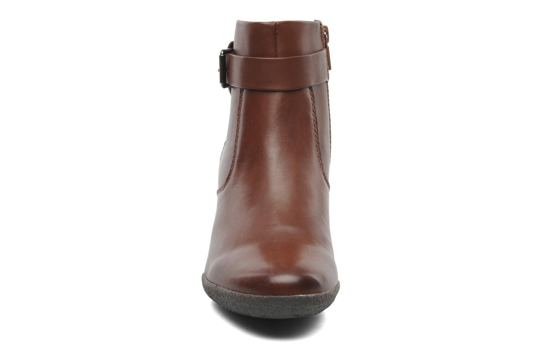 Boots en enkellaarsjes Geox D AMELIA ST A D4479A Bruin model