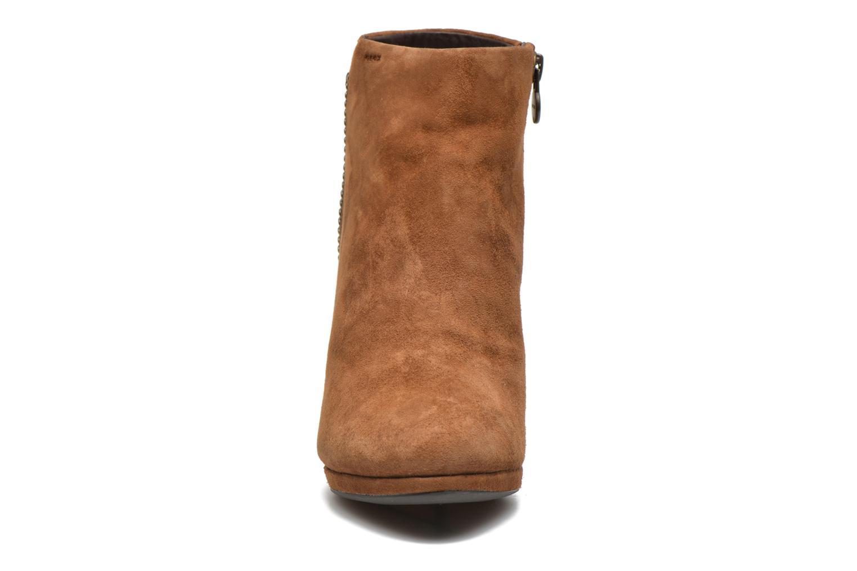 Boots en enkellaarsjes Geox D KALI B D44L1B Bruin model