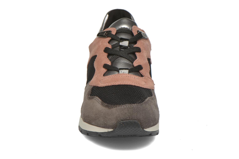 Sneakers Geox D SHAHIRA A D44N1A Grigio modello indossato