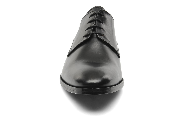 Snörade skor Brett & Sons Bari Svart bild av skorna på