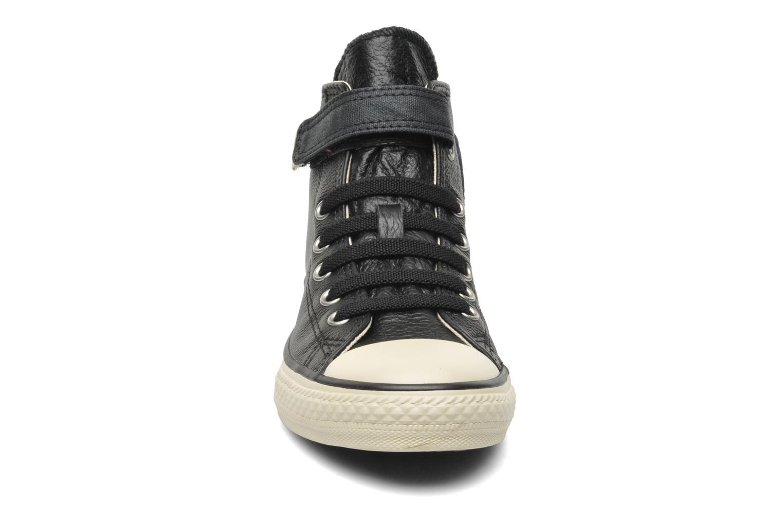 Sneakers Converse Chuck Taylor All Star Strap Hi Sort se skoene på