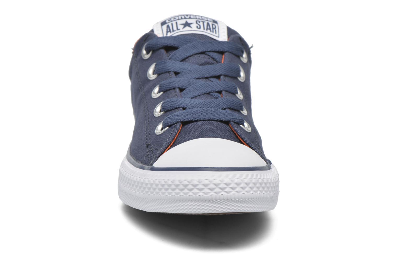 Sneakers Converse Chuck Taylor Street Slip Azzurro modello indossato
