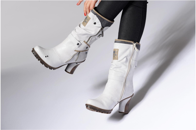 Bottines et boots Mustang shoes Lazlo Rouge vue bas / vue portée sac
