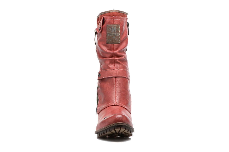 Bottines et boots Mustang shoes Lazlo Rouge vue portées chaussures