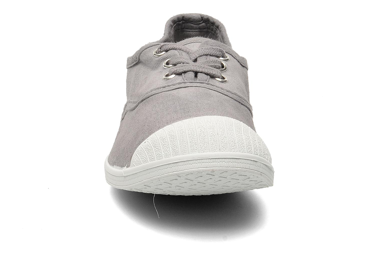 Sneaker Kaporal Vicky E grau schuhe getragen