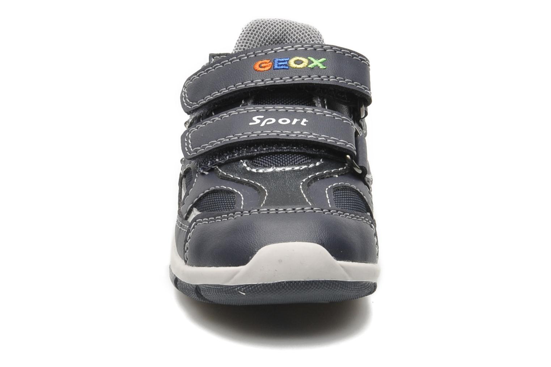 Sneakers Geox B SHAAX A Azzurro modello indossato