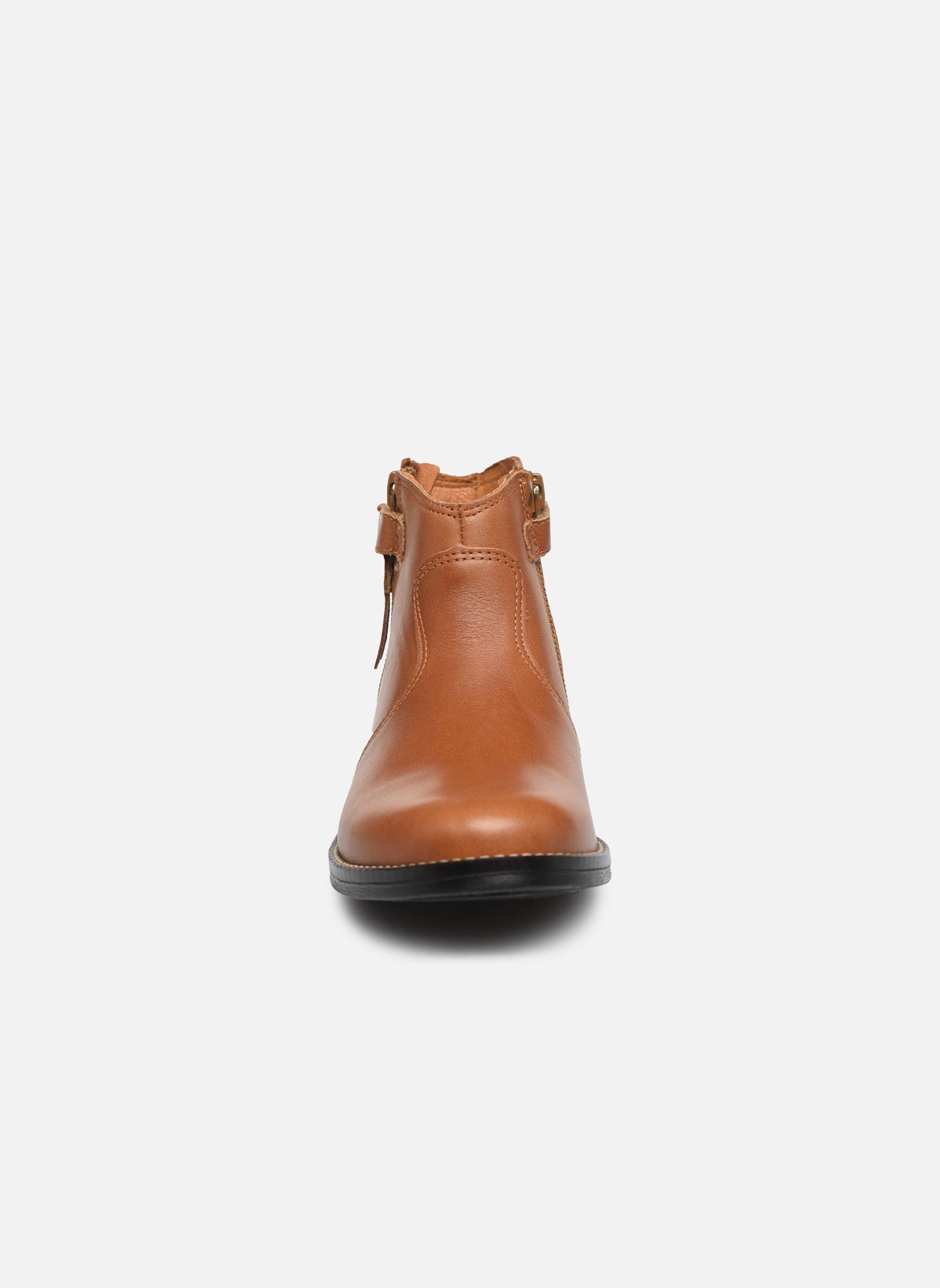 Bottines et boots Babybotte Kenza Marron vue portées chaussures