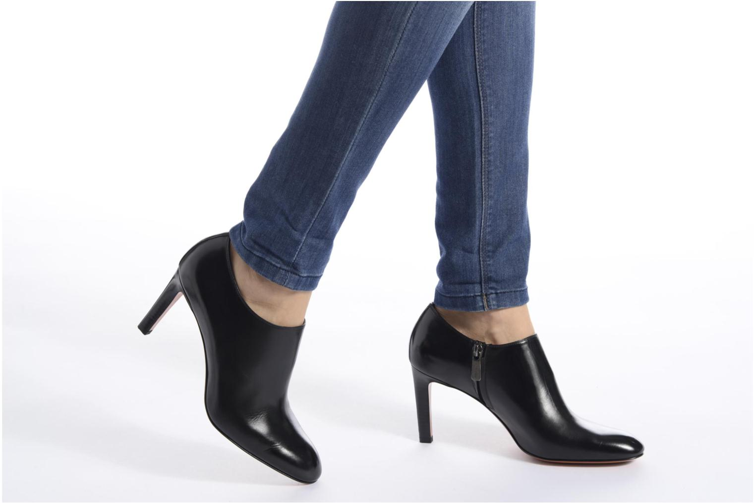 Ankle boots Santoni Moss 53259 INVISIBLE MAUVAISE REF Black view from underneath / model view