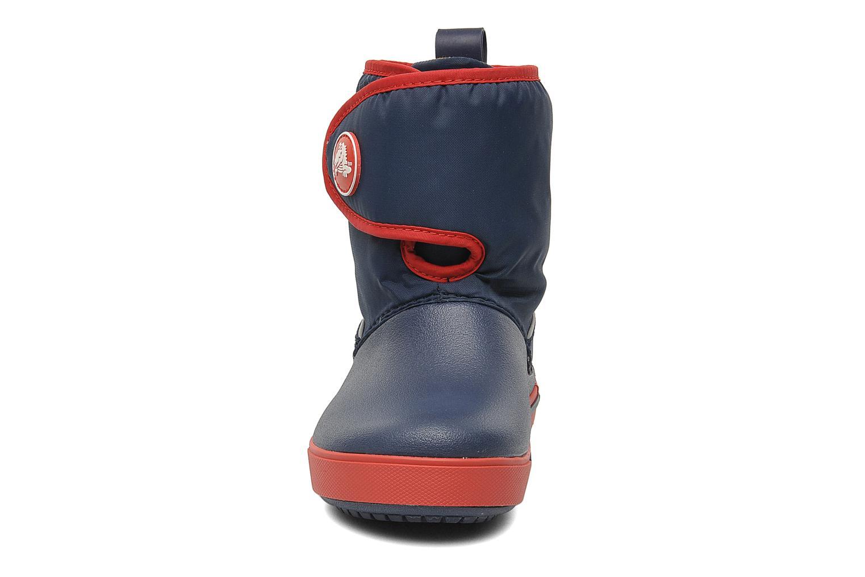 Bottes Crocs Crocband II.5 Gust Boot Kids Bleu vue portées chaussures