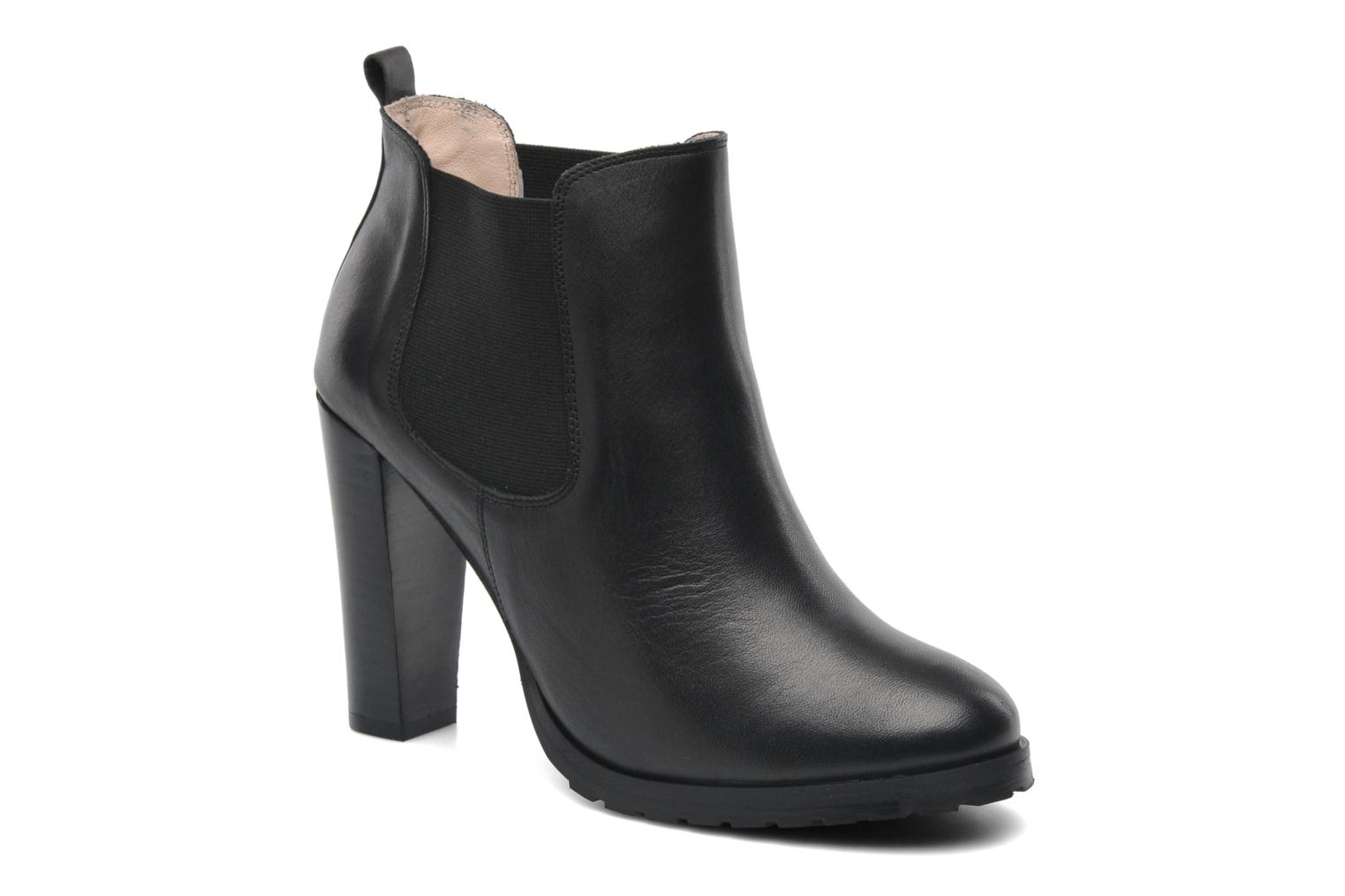 Ankle boots Anaki Sabrina Black detailed view/ Pair view