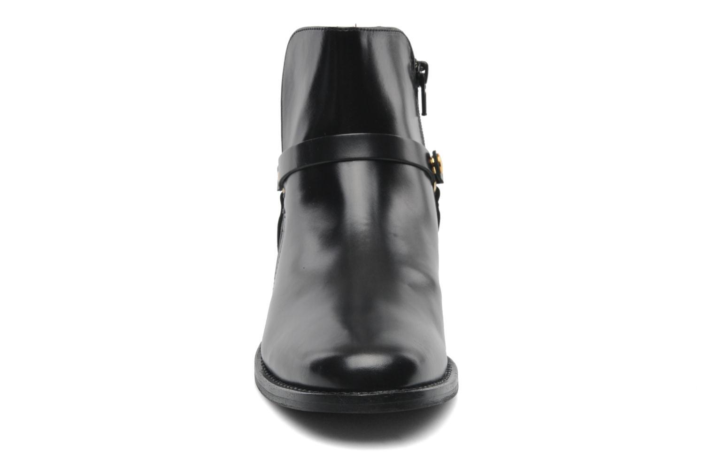 Bottines et boots Georgia Rose Armore Noir vue portées chaussures