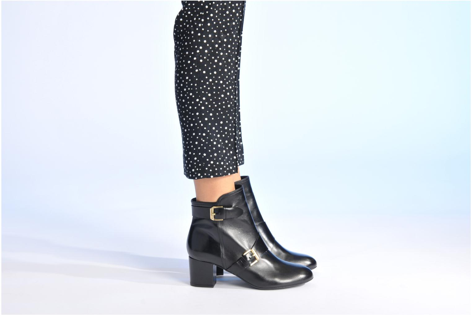 Ankle boots Made by SARENZA Chantilly Chérie #4 Black view from underneath / model view