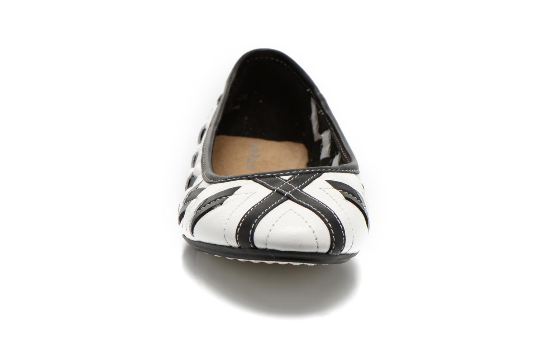 Ballerines Hush Puppies Emmaline Chaste Blanc vue portées chaussures