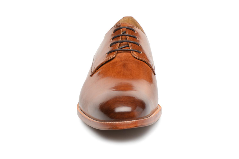 Scarpe con lacci Melvin & Hamilton Tom 8 Marrone modello indossato
