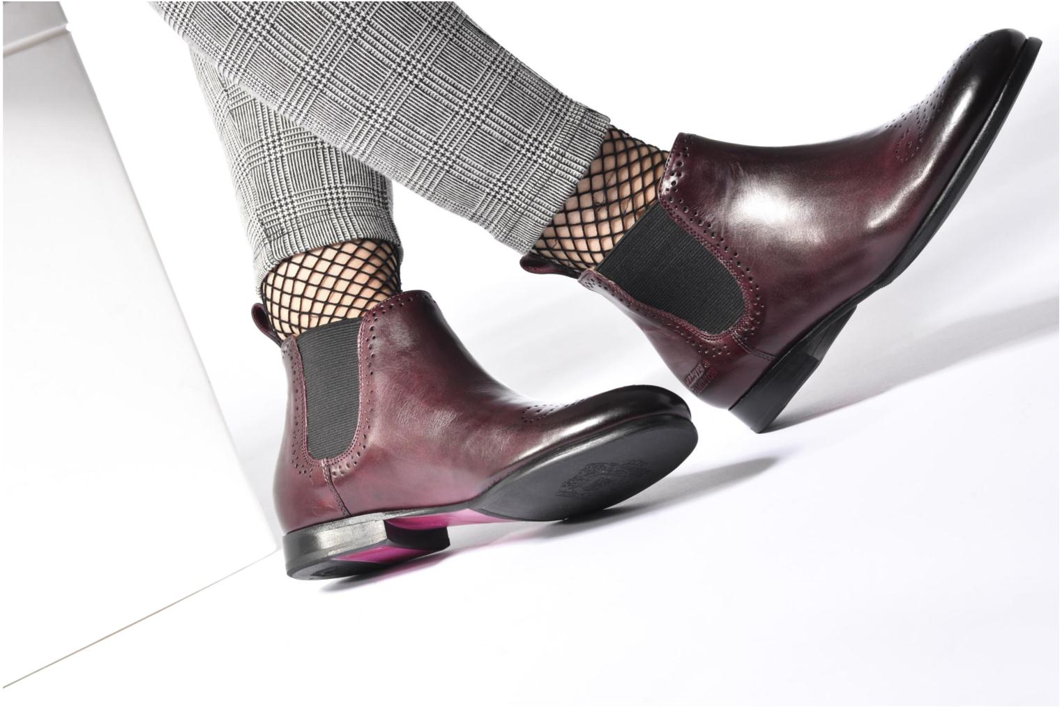 Ankle boots Melvin & Hamilton Sally 16 Burgundy view from underneath / model view