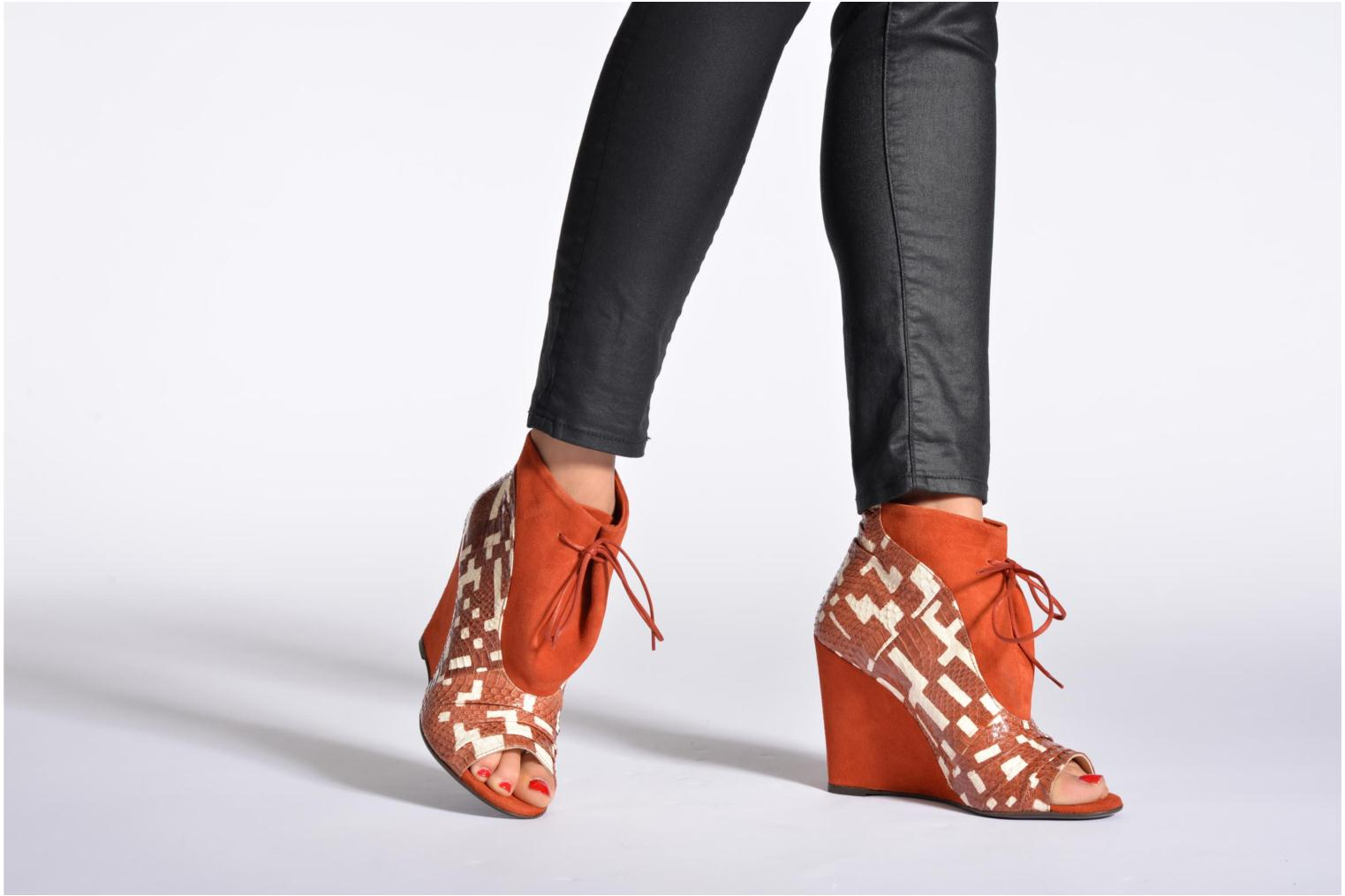 Ankle boots MySuelly Julie2 Brown view from underneath / model view
