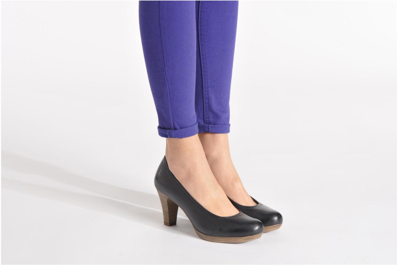 High heels Tamaris Kristy Black view from underneath / model view