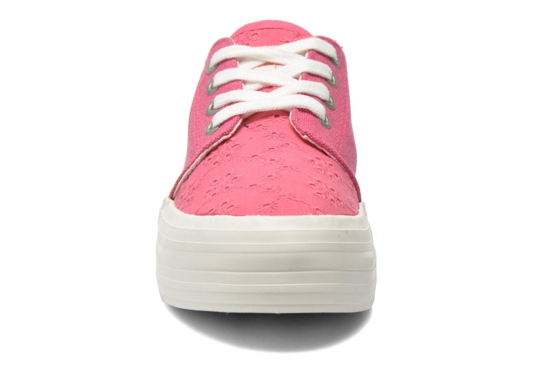 Sneakers Coolway Dea Rosa modello indossato