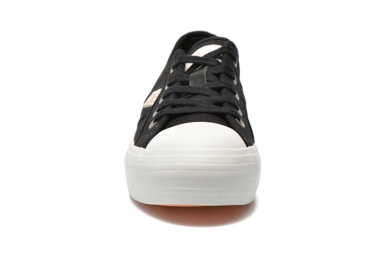 Sneakers Coolway Daniela Zwart model