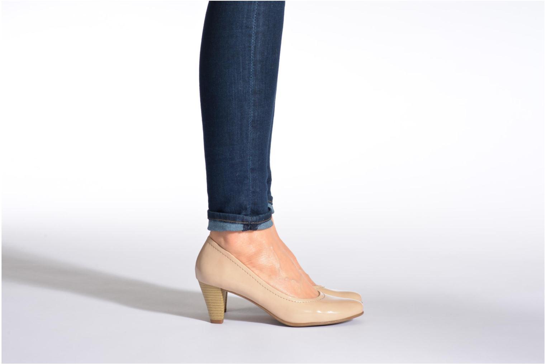 Escarpins Jana shoes Bossy Beige vue bas / vue portée sac